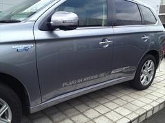 04 09 アウトランダーPHV 三菱自動車 (21).JPG